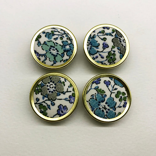 Fabric covered buttons 05