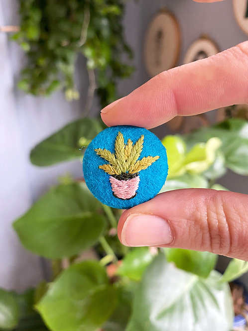 Plant button 20-02