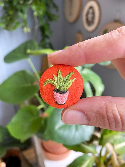 Plant button 20-06
