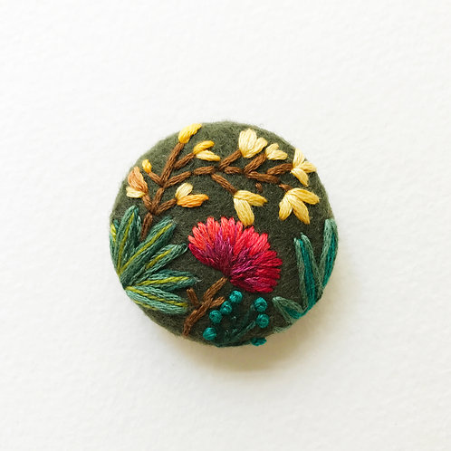 Floral button No 7 - Hand embroidered button
