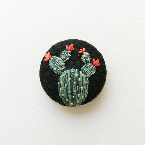 Cactus button No 1 - Hand embroidered button