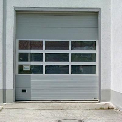 Deckensektionaltor Werkstattgebäude