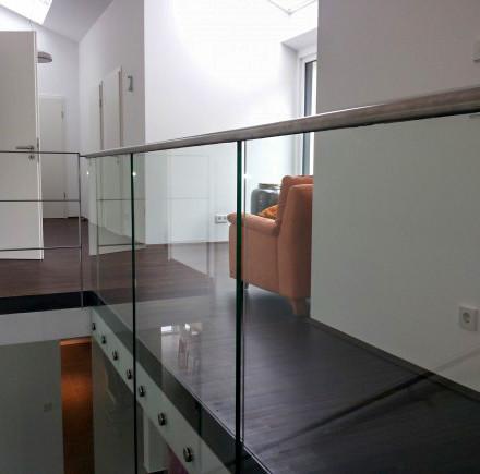 Brüstungsgeländer Edelstahl/Glas