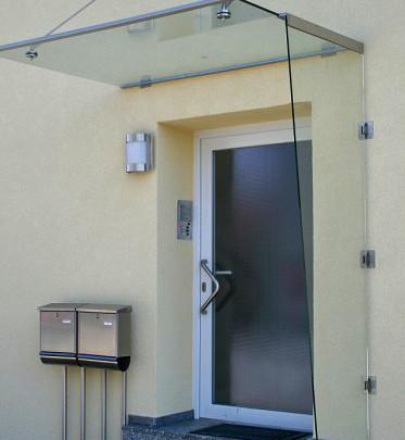 Glasdach mit Seitenteil