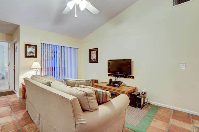12600 Woodmill Dr Palm Beach-small-012-10-Family Room-666x441-72dpi