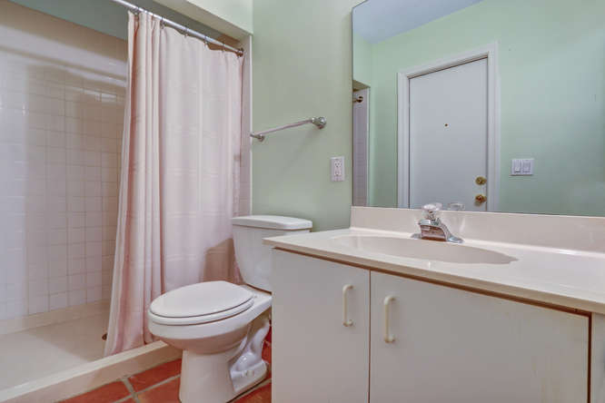12600 Woodmill Dr Palm Beach-small-015-13-Bathroom-666x445-72dpi