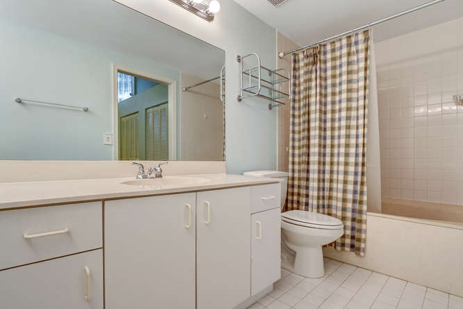 12600 Woodmill Dr Palm Beach-small-008-12-Master Bath-666x445-72dpi