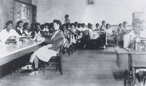 A West Charlotte HS sewing class in 1943.