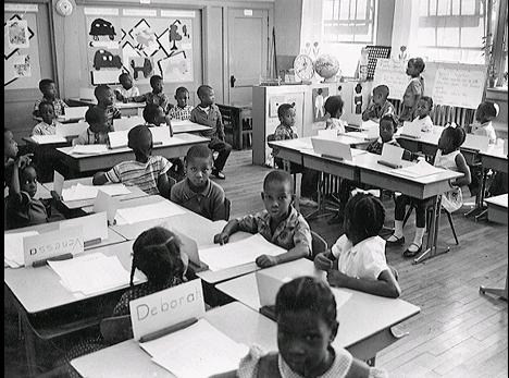 A picture of a 1969 elementary class in Charlotte.