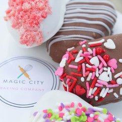 Similar to a cake pop, our cakecicles are cake filled treats on a stick dipped in white or milk chocolate. With the addition of various toppings, this is a customizable treat with endless possibilities.