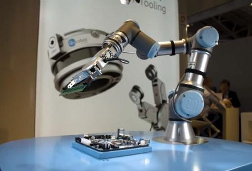 자동화 화두 협동로봇, 편의성·이동성 진화[이슈진단+] 2019년 산업별 3대 키워드/로봇