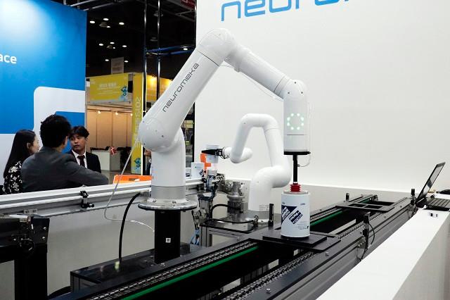 로보월드2019   협동로봇 제조기업 뉴로메카