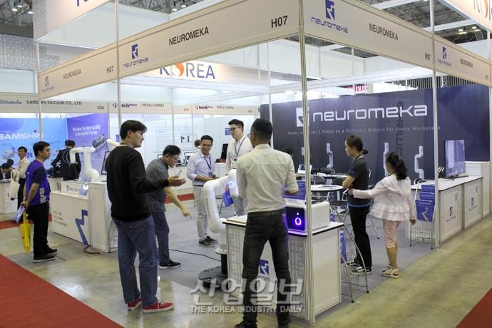 베트남기계전 VIMAF2019 협동로봇 제조기업 뉴로메카 참가