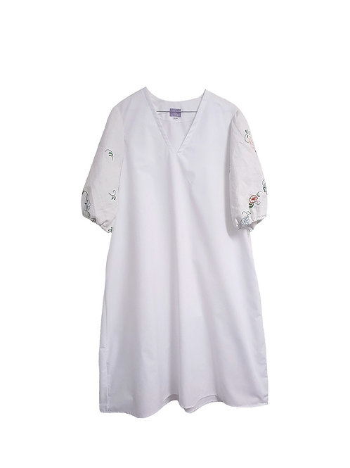 Miss V Dress White w/ Embroidery