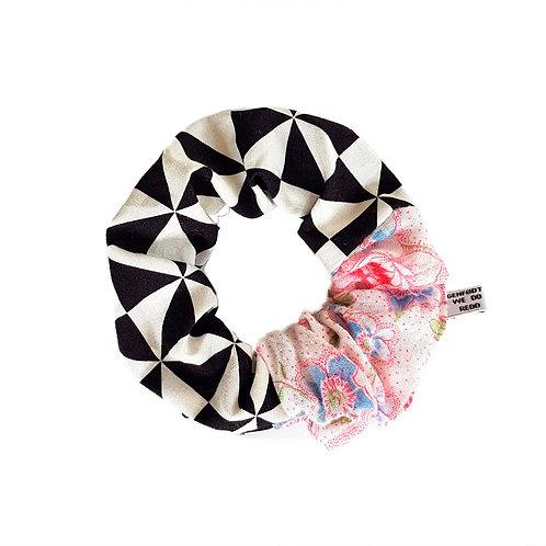 Sally Scrunchie Checkers&Flowers