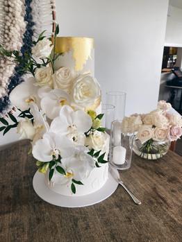 cake floral design.jpg