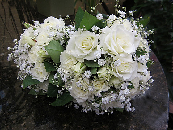 Pure hand-tied bouquet