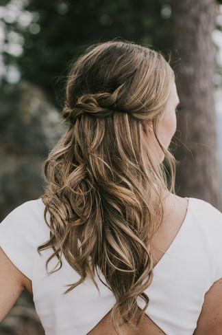Hair: Annie  Makeup: Nancy Venue: North Star Resort Zephyr Lodge Photo: Justine Grajski