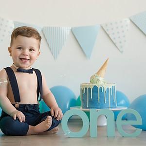 Cake Smash / Birthday Celebrations