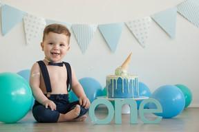 Cake smash Adelaide 8449.jpg