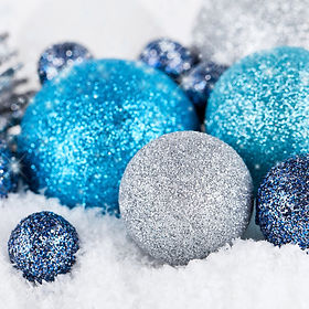 blue-christmas-balls-happy-new-year-chri