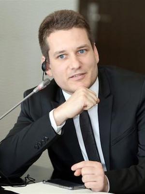 Dr. Ulf Henning Richter