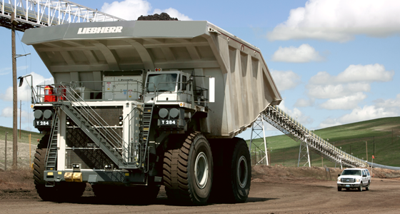 WORLD'S LARGEST DUMP TRUCKS - LIEBHERR T 284!!