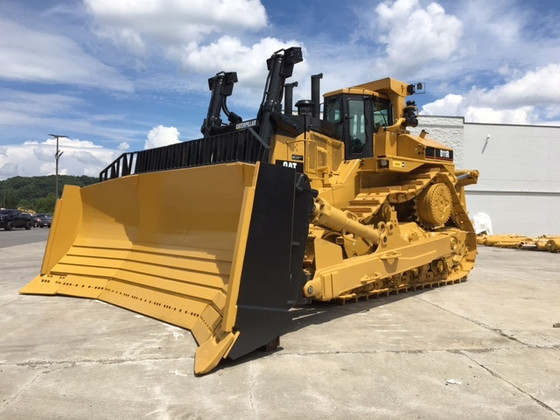 WORLD'S TOP 10 BULLDOZERS - CATERPILLAR D11!!