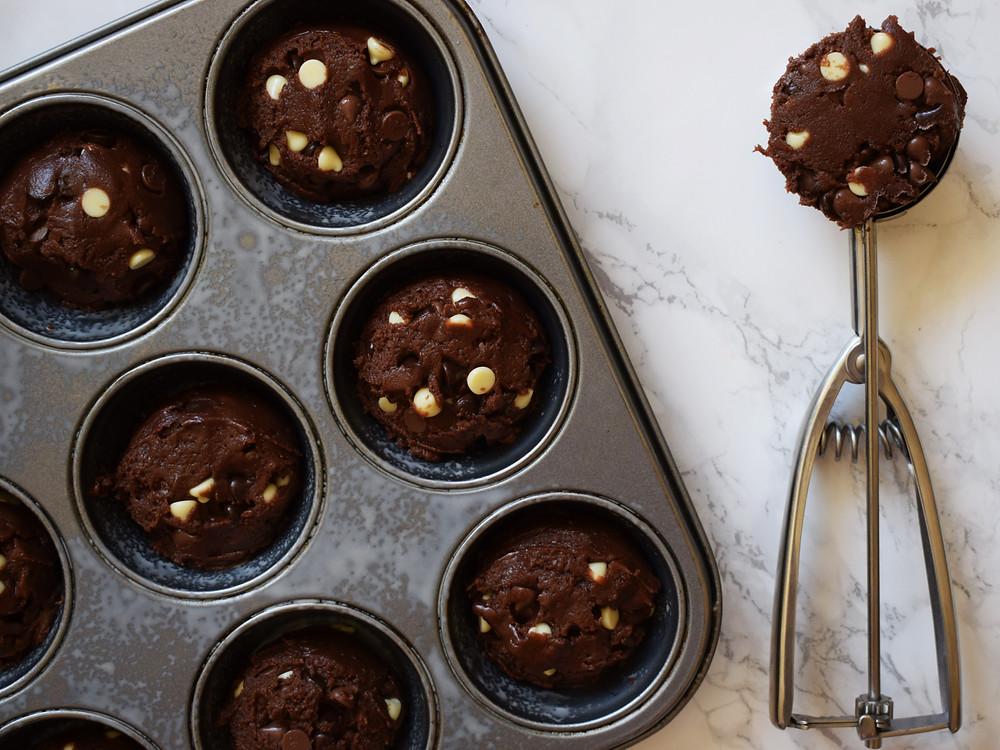 Dark Chocolate Toffee Cream Cookie Cups