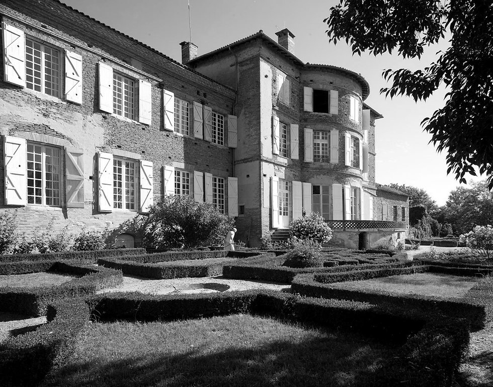 chateau-lastours-2_NB.jpg