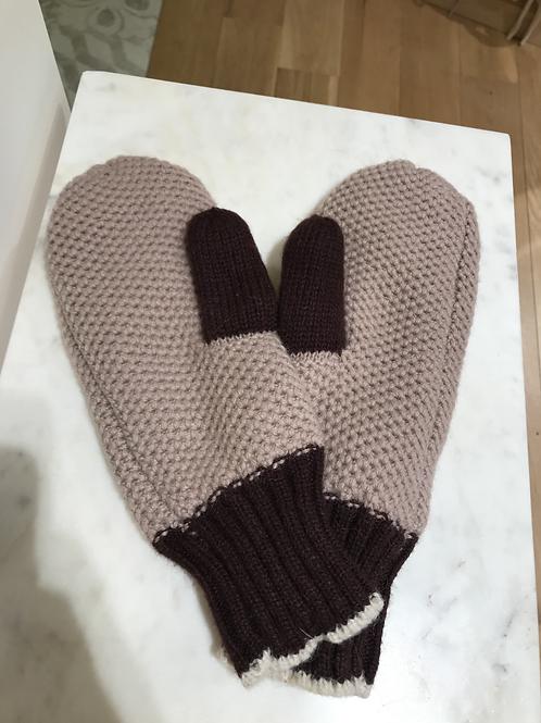 Beck Söndergaard warm gloves