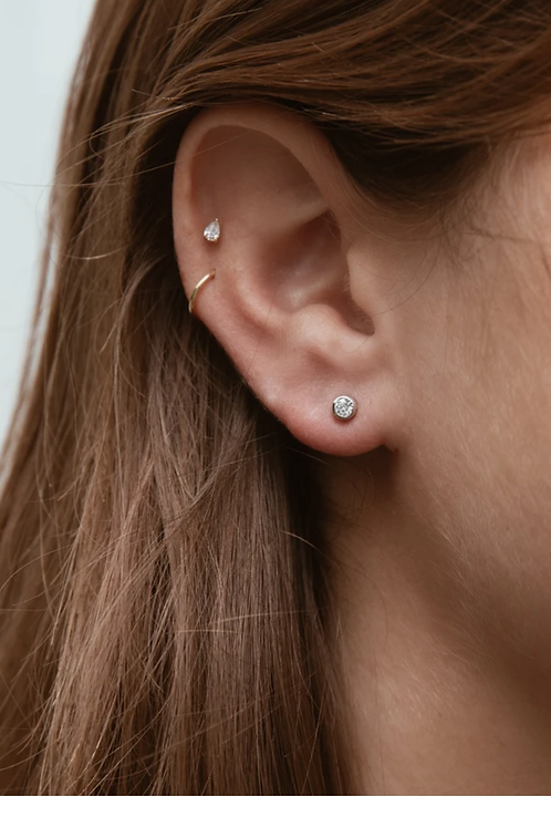 Mini round earrings gold