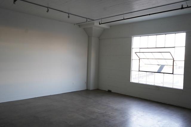 Empty Studio Wall Left FULL