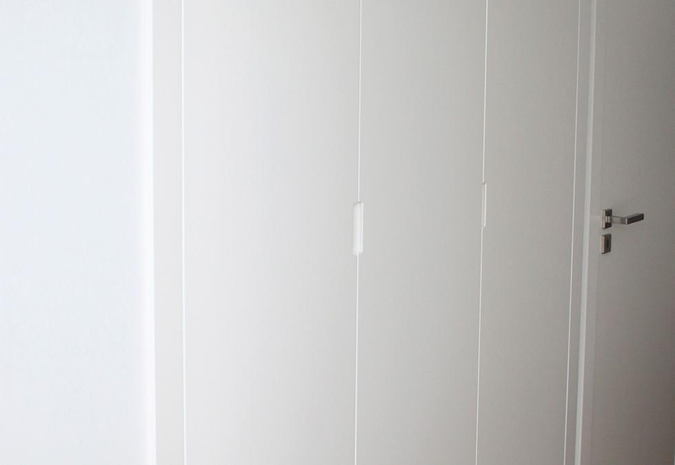 Armário de parede e porta