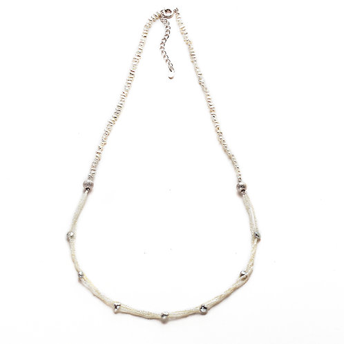 Gray and White 'Suna' Keshi Necklace