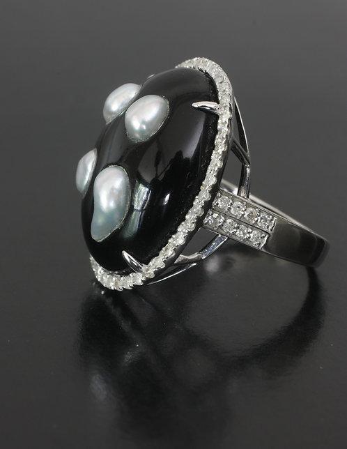 Hand Carved Cabochon Black Onyx Ring Japanese Saltwater Keshi & Diamond GOM-0879