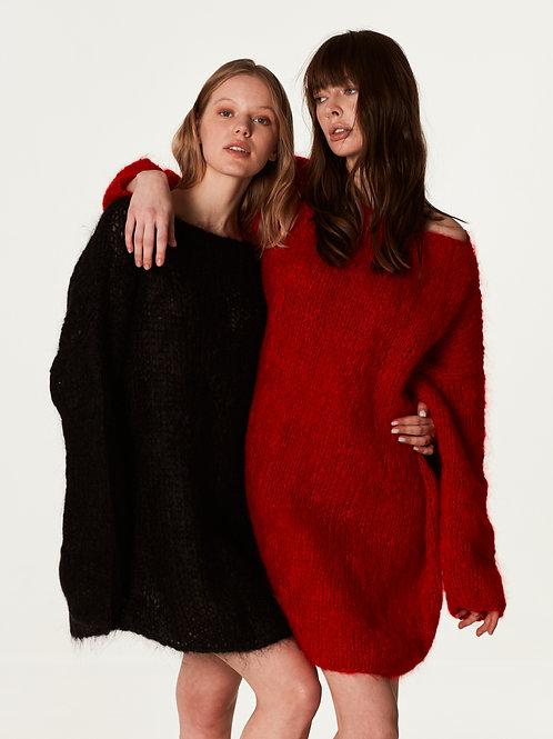 Удлиненный свитер   из мохера премиум  класса красного   цвета