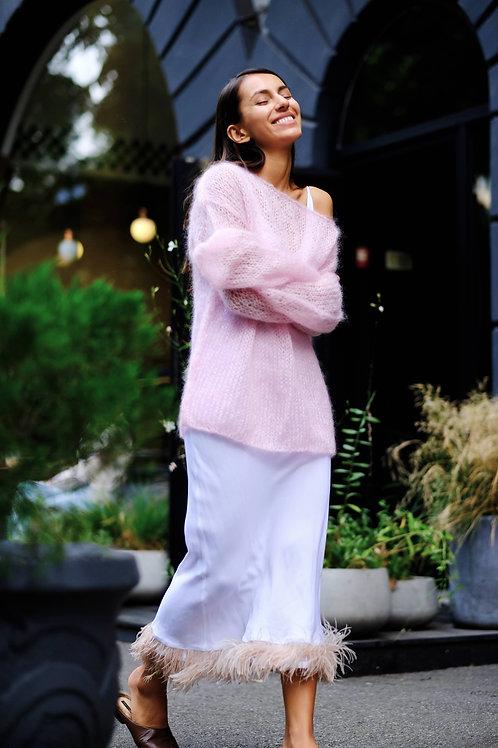 Свитер   из мохера  премиум  класса  нежно-розового   цвета