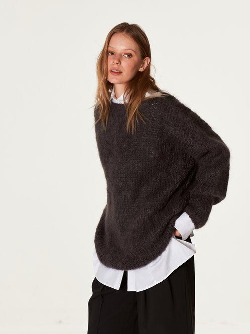 Удлиненный свитер   из мохера премиум  класса  цвета антрацит