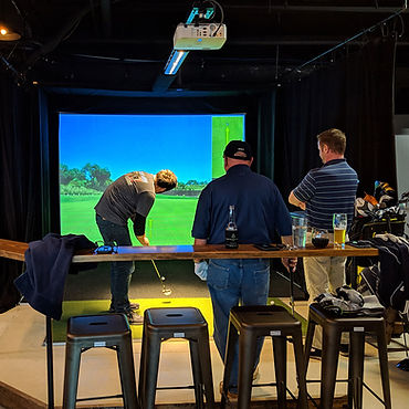 Club_Golf_Indoor_Putting.jpg