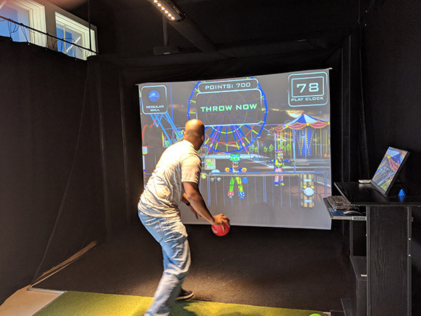 Club_Golf_Indoor_slide2.jpg