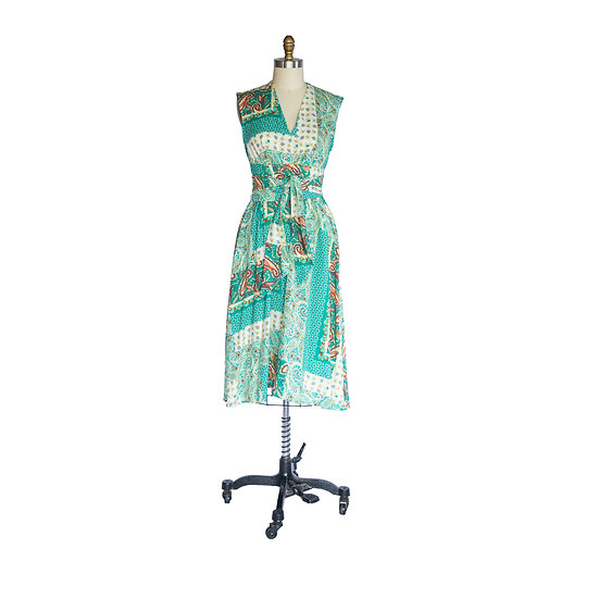 Robe-Dress in Teal, White and Crimson Patchwork Paisley Printed Rayon