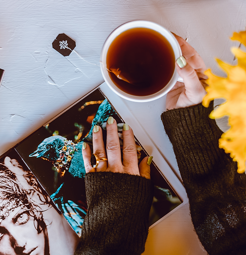 Tea%20Flatlay%20Daffodils%20picture%20books%20-1_edited.png