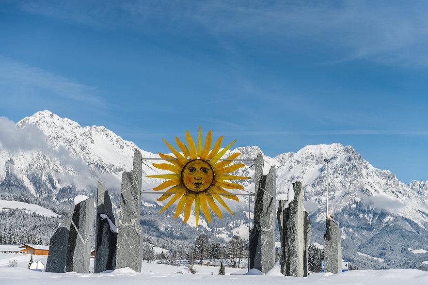 Sonne Kreisverkehr mit Kaiser.jpg