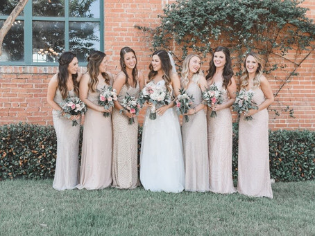 5 Non-Floral Ways to Show Off Your Wedding Colors