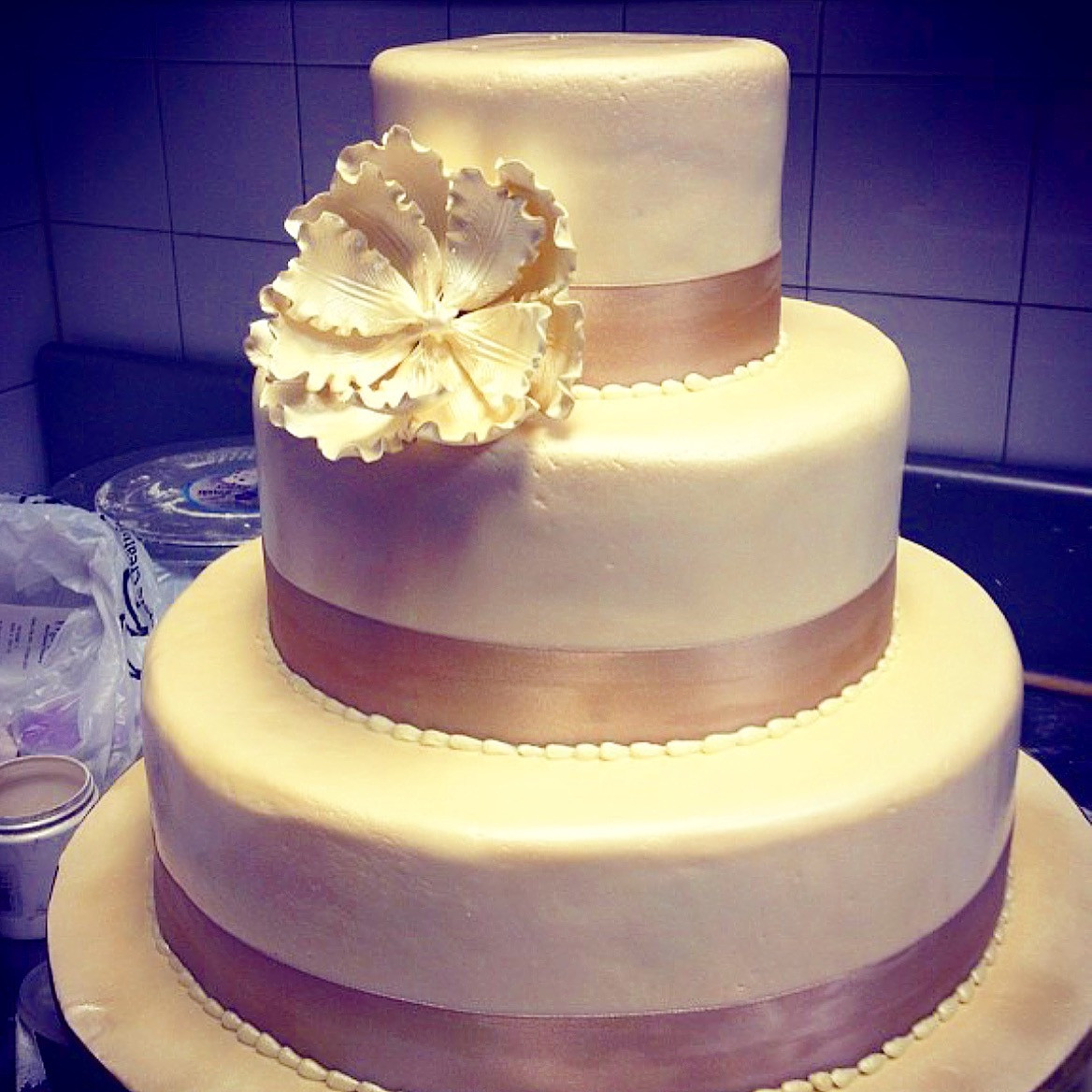 Wedding Cakes from Rustika Cafe and Bakery