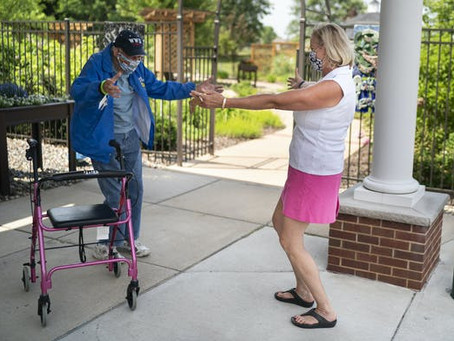 Minnesota rolls back restrictions on senior home visits as COVID-19 cases decline