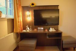 Saltenhof Doppelzimmer Komfort 23 Schreibtisch
