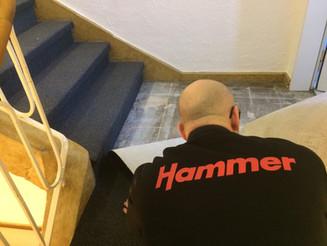 Neuer Teppich für die Treppe und Podeste