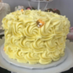"""Todays's smash cake is the """"bees knees""""!"""